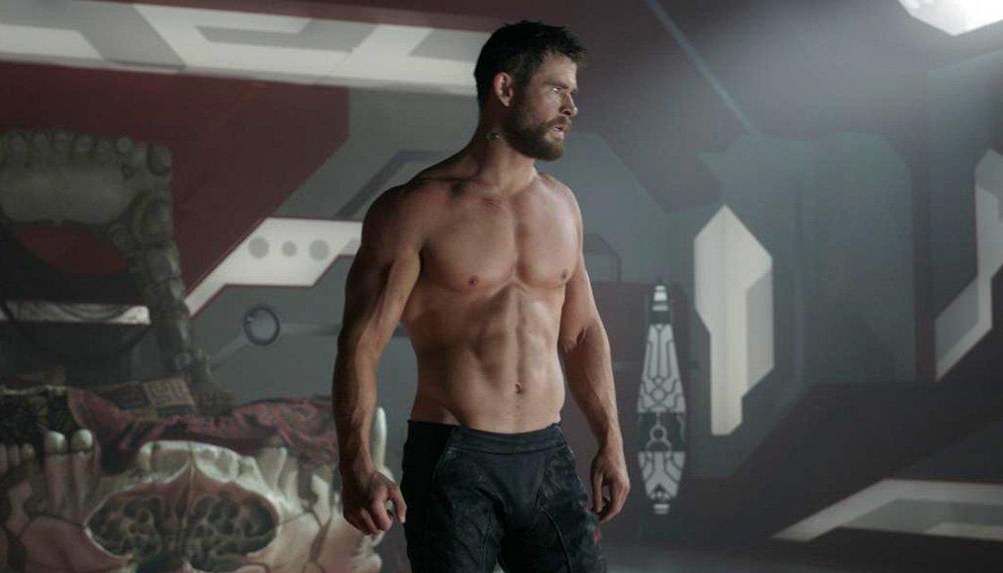 chris-hemsworth-thor-shirtless