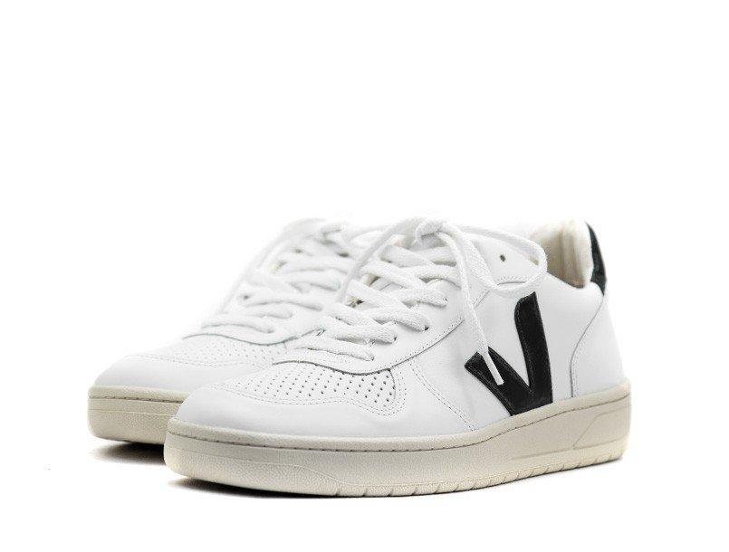 veja-v10-leather-white-black-3_4